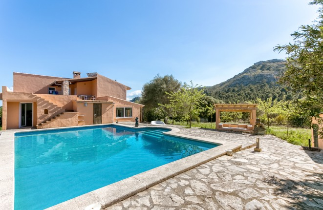 finca in Alcudia for sale