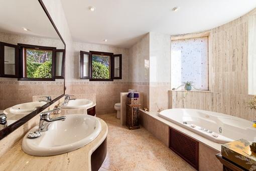 Luxury bathroom with jacuzzi