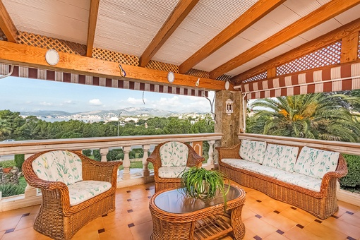 Lounge area on the balcony