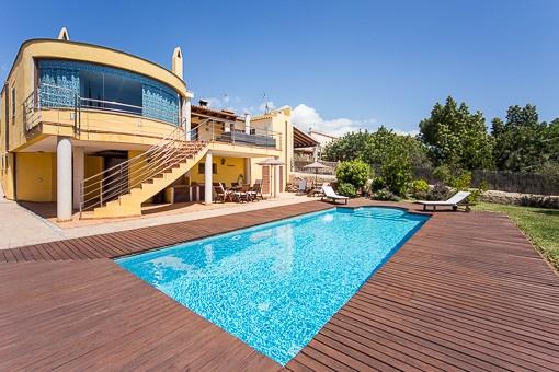 Stunning Haus Mit Pool Gallery - Kosherelsalvador.com ...