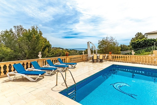 Impressive sea views from the pool