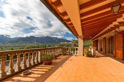 Sunny terrace with spectacular views of the mountains