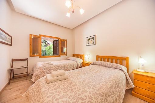 Plum Bedroom Bin