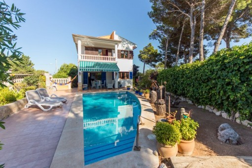 High quality villa with pool and garden near the sea in Cala Ratjada