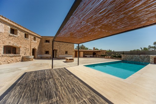 Mallorquin terrace with pool views