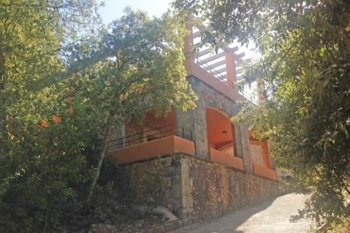 Large villa with sea views located amidst the Serra de Tramuntana mountains