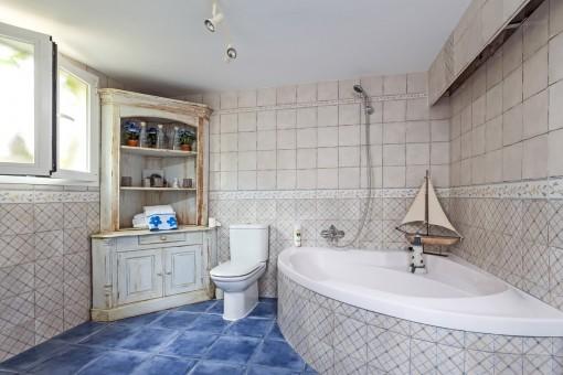 Large bathroom of the studio