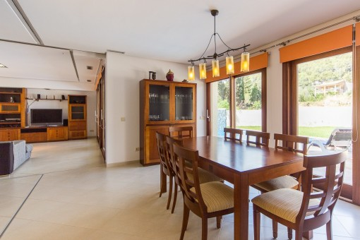 Bright dining area and open kitchen