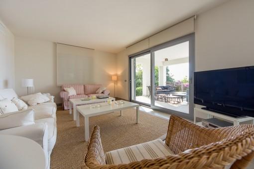 modern villa with impressive sea views in costa de los pinos-purchase - Villa Wohnzimmer Modern