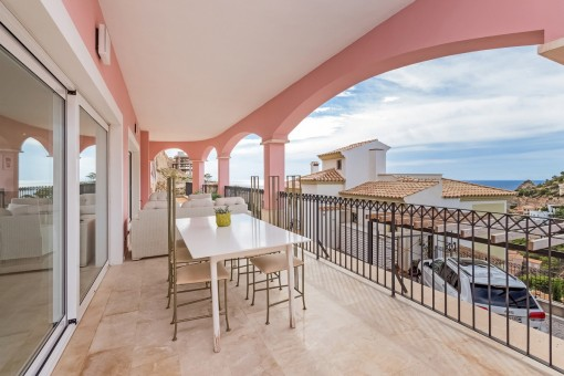Spacious terrace of 44 sqm with magnificent sea and mountain views