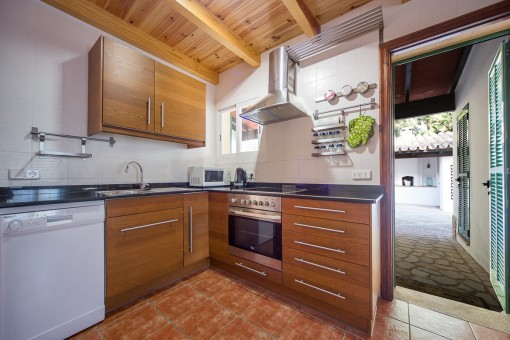 Fully equipped kitchen with access to the patio