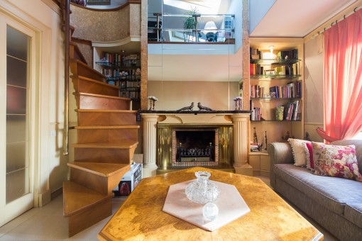 Beautiful penthouse with lots of potential close to Santa Catalina