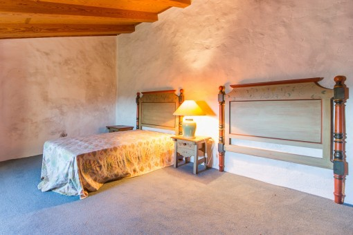 Bedroom with one single bed