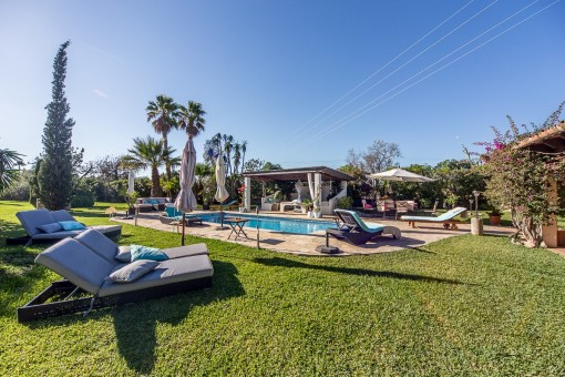 Idyllic finca near Pollença with a beautifully landscaped garden and lots of privacy