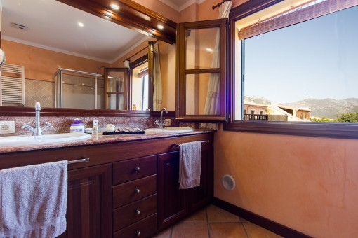 Bathroom with unique landscape views