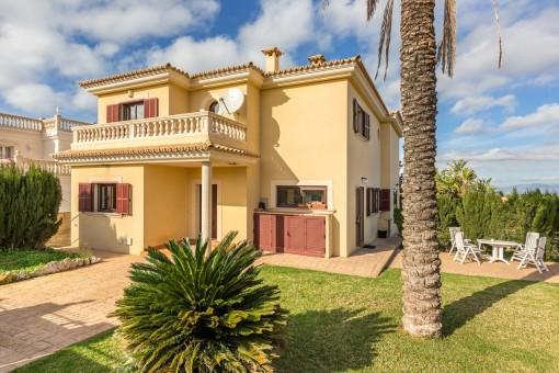 Exclusive villa with wonderful sea views in Sa Torre