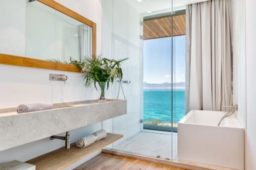 Luxurious bathroom with sea views