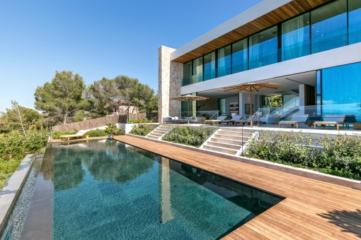 Sensational swimming pool with lounge terrace