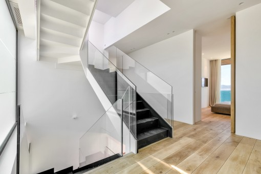 The villa has a living space of 600 sqm