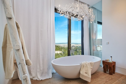 Bathroom with panoramic windows