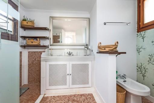 Beautiful master bathroom en suite