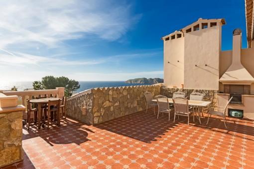 Sunny roof terrace with impressive sea views of the duplex penthouse in Nova Santa Ponsa