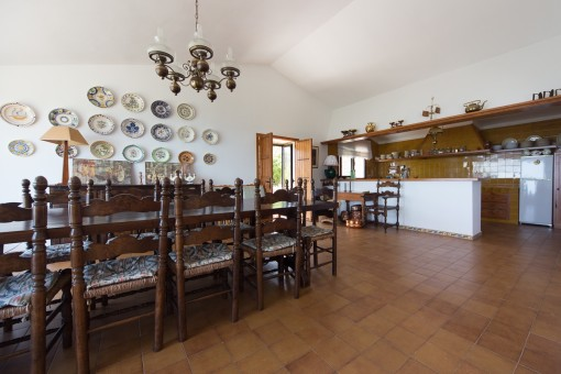 Mallorcan dining area