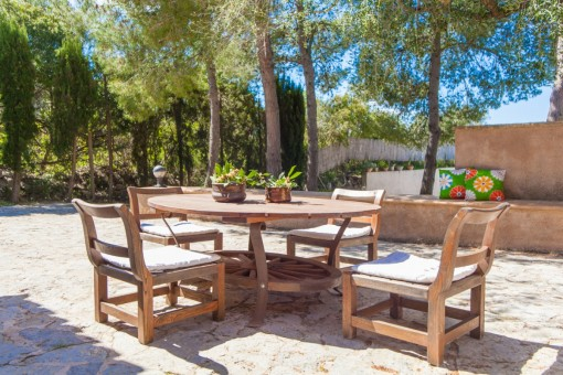 Idyllic seating area in the garden