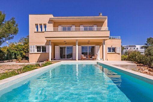 Modern villa with sea views in Cala Pi