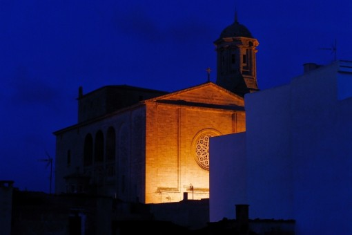 Views by night to the curch from Llucmajor