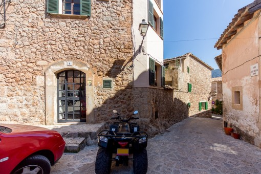 Situated in the centre of Valldemossa