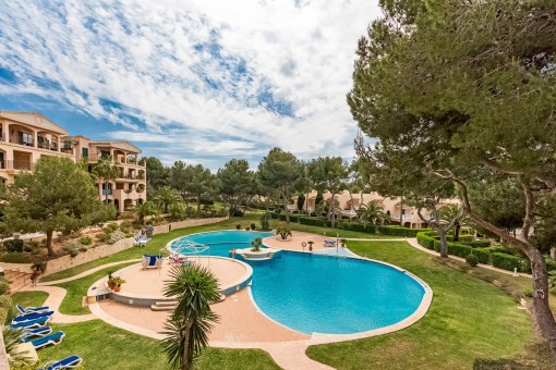 charming apartment in a well-kept residential complex in Santa Ponsa
