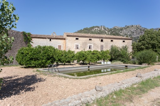 Outstanding property in a unique location in Alaró requiring renovation