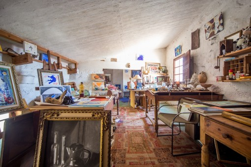 Private art studio on the upper floor