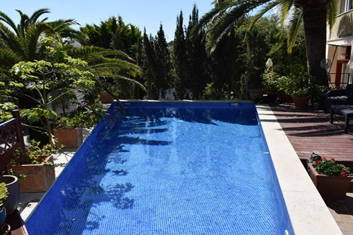 A beautiful villa with pool in Torrenova