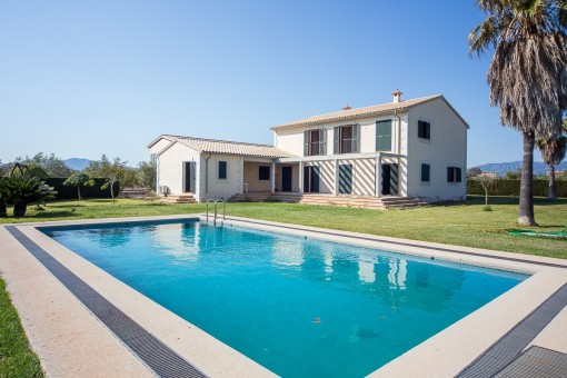 Magnificent oil-producing Finca in Marratxi with a large, brand new house, only minutes from Palma