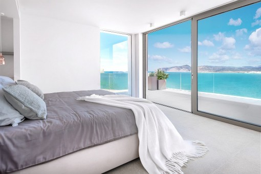 Stunning sea view bedroom