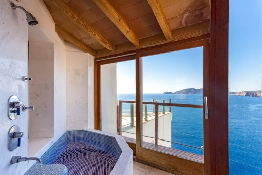 Bathroom with mediterran sea views