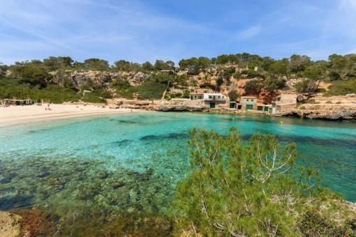 Views to the beach Cala Llombards