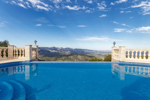 Impressive villa with doubtless one of the best views in Mallorca!