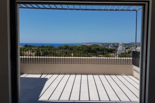 Alternative view of the sea view terrace