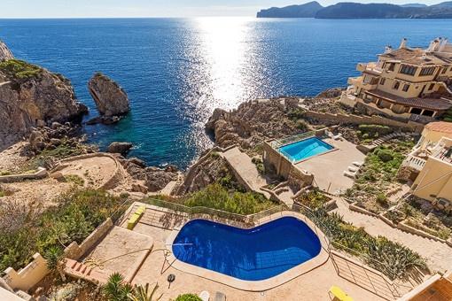 Unique location with exclusive sea views
