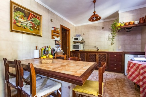 Mallorcan, fully equipped kitchen