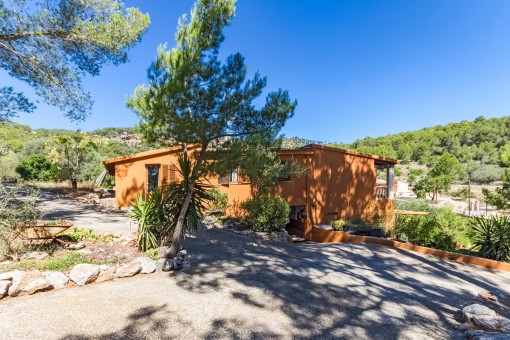 Spacious plot in absolutely tranquil location