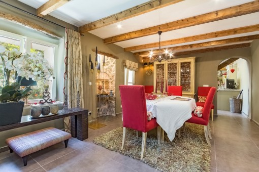 Comfortable dining area with access to the kitchen