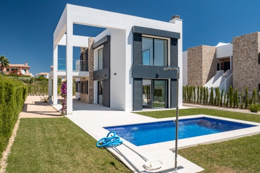 Newly-built modern villa for first-time-occupancy in a beautiful location in Cala Murada