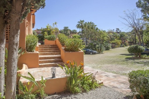 The villa is located in a high-quality residental community