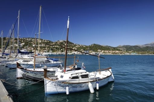 Idyllic harbor nearby