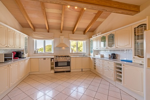 Fully equipped, big kitchen