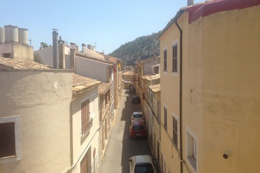 Views on the marvellous street from the upper floor